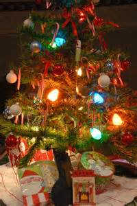 kitchen tree tiny tree with old fashioned lights christmas trees wreaths and table decor