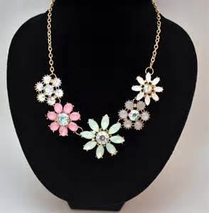 Flowers for Chunky Necklace