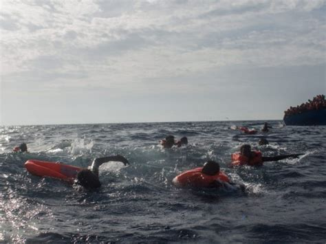 Libya To Italy By Boat 2017 by Ngo Boat Brings 391 Migrants From Libyan Coast To