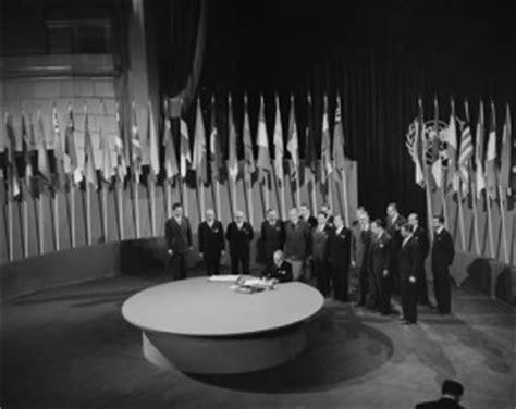 onu si鑒e oggi si parli di pace e sicurezza 67 anni fa nascevano le nazioni unite