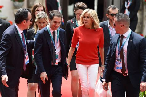 Melania Trump and French First Lady Brigitte Macron seem to be coordinating their outfits — and it's an unusual show of unity for the... - Business Insider Singapore