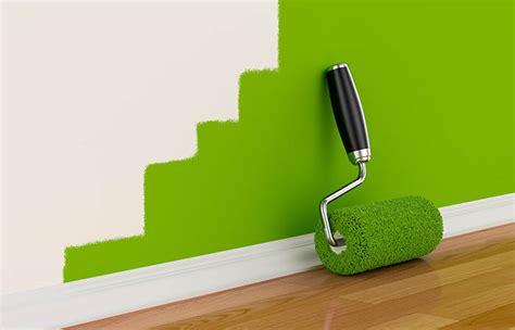 peindre un plafond au rouleau peindre au rouleau de peinture comment peindre