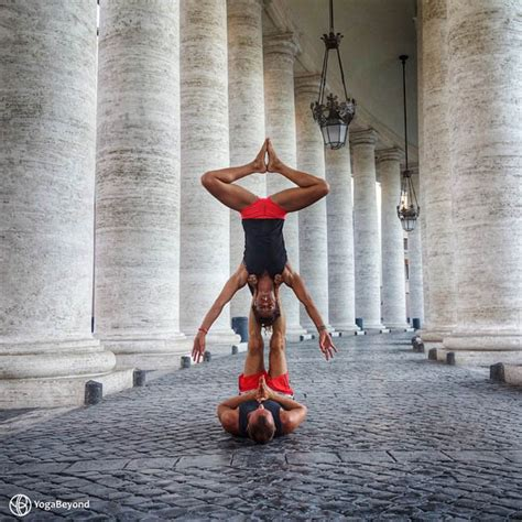 arcoyoga couple travel world   acrobatic yoga