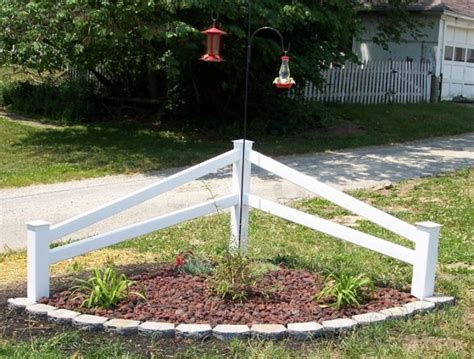 corner fence decoration that will draw everyone attention