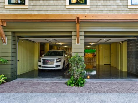 Home Garage by Hgtv Home 2013 Garage Pictures And From Hgtv