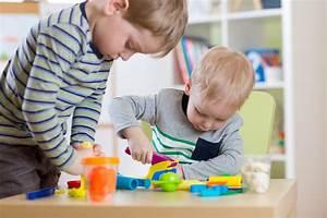Activites Enfant 2 Ans : 12 activit s psychomotrices pour les 0 3 ans nanny secours ~ Melissatoandfro.com Idées de Décoration