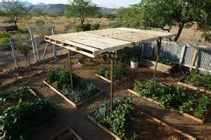 garden shade with pallets easy and modular pergola