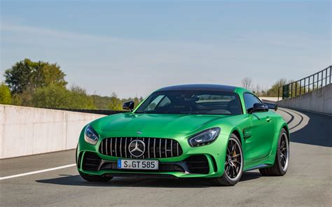 This combination is just irresistible and is limited to 750 units: 2017 Mercedes AMG GT R 4 Wallpaper | HD Car Wallpapers | ID #6755