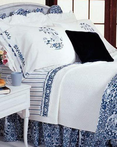Ralph Bed Skirts by 25 Best Ideas About White Ruffle Bedding On