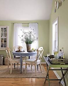 Small dining room ideas make it look bigger kris allen for Small dining room decorating ideas