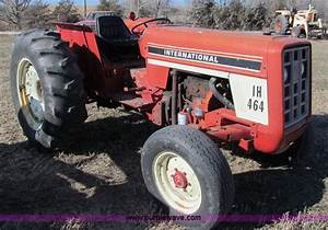 1976 International Harvester 464 Tractor