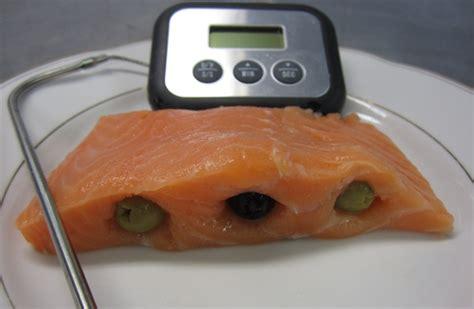cuisine basse temperature pavés de saumon fourrés aux olives noires et vertes
