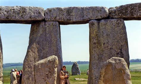 stonehenge stones gallery