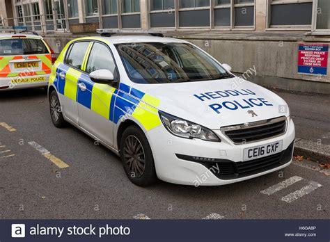 South Wales Police Heddlu Bilingual Peugeot 308 Vehicle