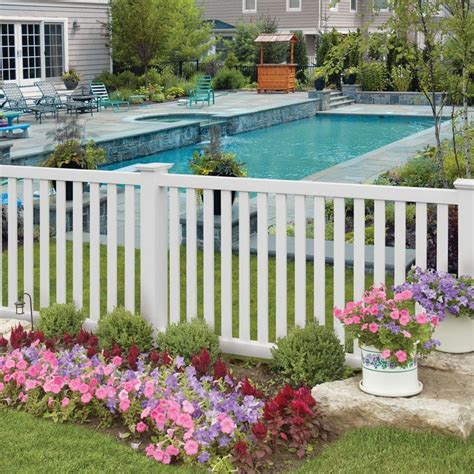Backyard Pool Fence Ideas by Best 25 White Vinyl Fence Ideas On White