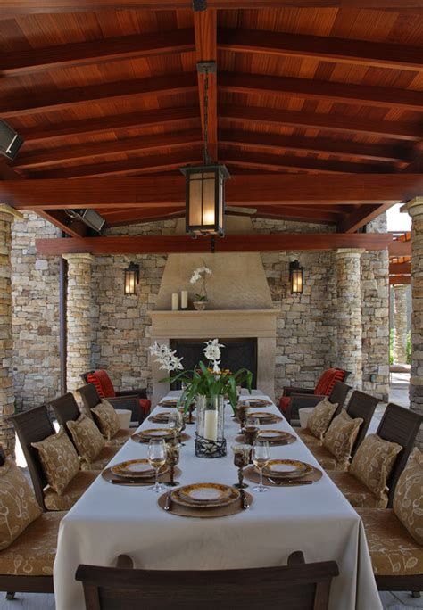 10 Outdoor Dining Rooms That Make Eating Alfresco Seem
