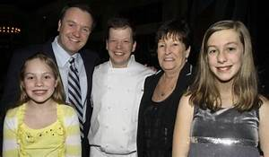 Paul Wahlberg Pictures, Images, Photos - Images77.com
