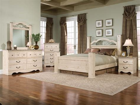 Vintage Bedroom Furniture by Wood Bedroom Furniture Furniture Home Decor