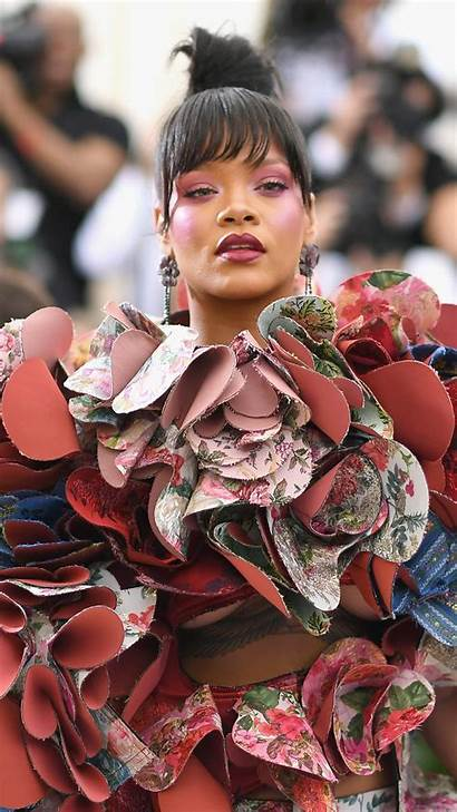 Rihanna Gala Met Carpet Celebrities Wallpapers Wallpapershome