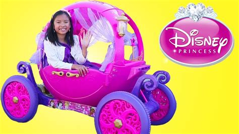 Princess Carriage Ride Pretend Play With Wendy Youtube