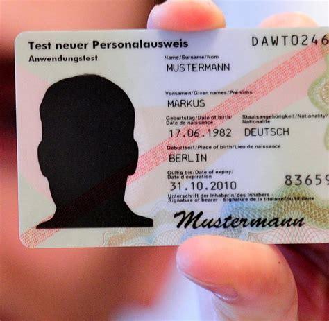 digitaler ausweis der neue perso wird zum pass fuer die