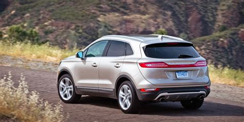 lincoln mkc  buy review consumer guide auto