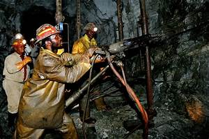 Is SA's gold mining industry turning into Zimbabwe-Lite ...