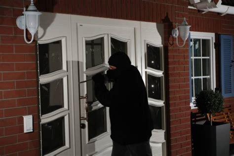 Die Richtige Haustuer Wichtig Sind Sicherheit Und Waermeschutz by Sicherheit Und Einbruchhemmung Fensterratgeber