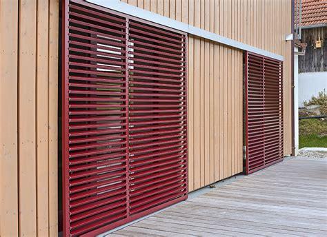 terrassenüberdachung mit lamellen sonnenschutz und insektenschutz f 252 r haus und wohnung