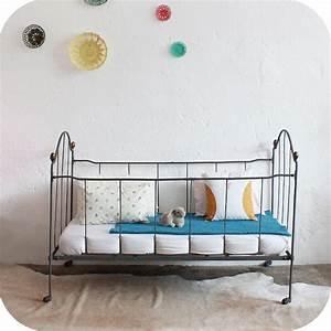 Lit Fer Forgé Fille : d304 mobilier vintage lit bebe metal fer forge a atelier du petit parc ~ Teatrodelosmanantiales.com Idées de Décoration