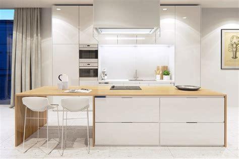 ilot bois cuisine cuisine en bois moderne et blanche en 33 exemples