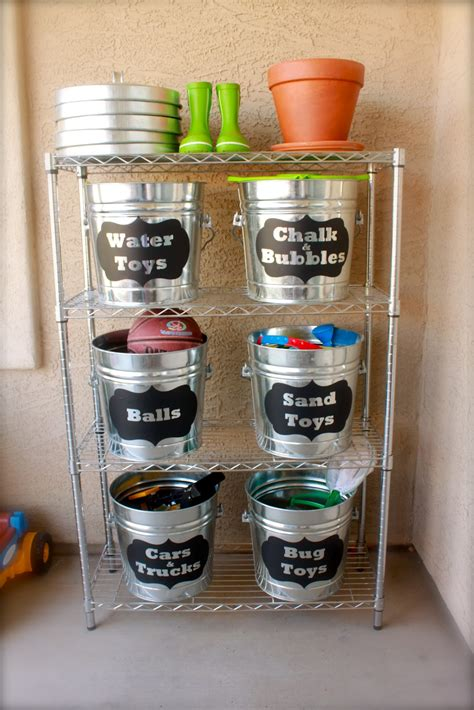 creative ways  repurpose galvanized buckets  tubs