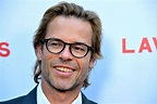 """Guy Pearce Says His """"Handsy"""" Comments Regarding Kevin ..."""