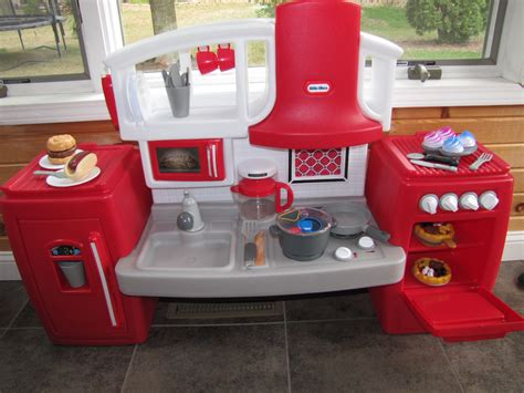 holiday gift guide   tikes cook  grow kitchen