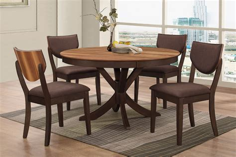 turner  dining table  side chairs