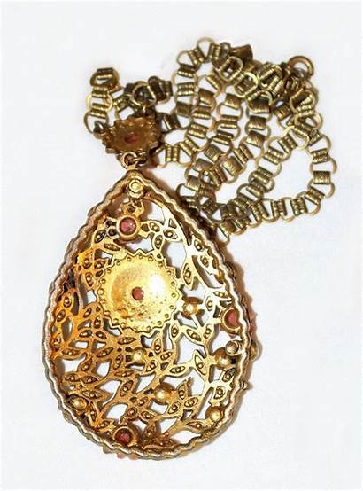 Jeweled Pendant 1930 Circa Chain Necklace Want