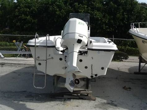 Used Hydra Sport Bay Boats For Sale by 2000 Used Hydra Sport 2222 Bay Boat For Sale 15 000