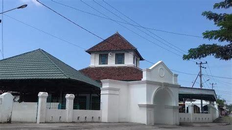 inilah pesona masjid al hilal katangka  gowa masjid