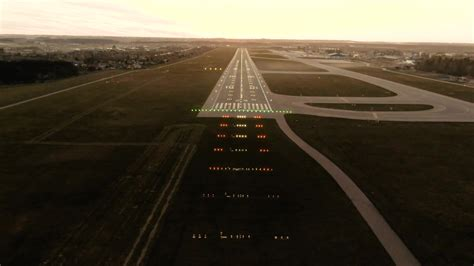 Runway Lights at Airport: Colors and Meaning Explained - S4GA