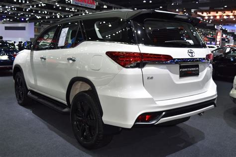 Toyota Fortuner 2020 by 2020 Toyota Fortuner Review Redesign Engine Price