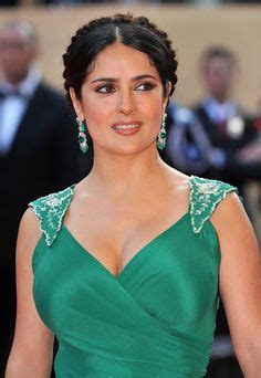 20 Salma Hayek Hairstyles - Celebrity Hairstyles (WITH ...