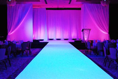 Runway to glow all white (ignore stage backdrop in this ...