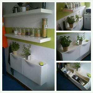 Ikea Trones Ideen : ikea trones shoeboxes in small kitchen for storing bakeware and containers teeny tiny haus ~ Watch28wear.com Haus und Dekorationen