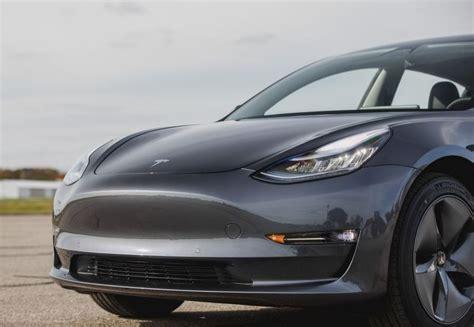 Get Tesla 3 Colors 2020 Background