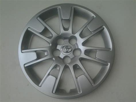 Toyota Hubcaps by Toyota Hubcaps Falling