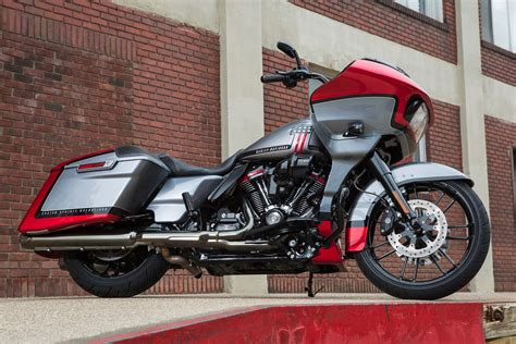 Review Harley Davidson Cvo Road Glide by 2019 Harley Davidson Cvo Road Glide Review 18 Fast Facts