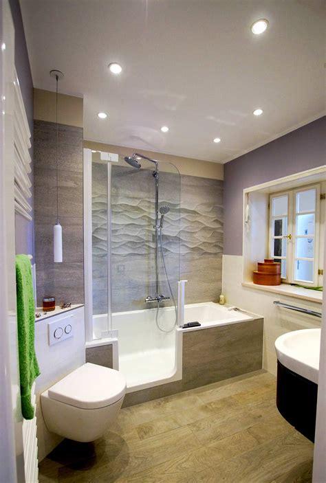Kleines Bad Dusche Badewanne by Badewanne Mit Dusche Die L 246 Sung F 252 R Kleine B 228 Der In 2019