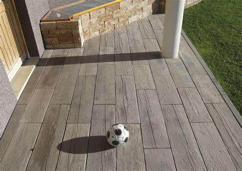 holzdiele terrassen platten ramboeck