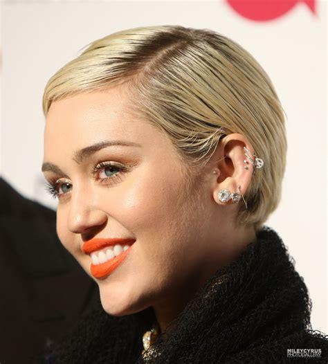 Miley Cyrus – 2015 Vanity Fair Oscar Party in Hollywood ...
