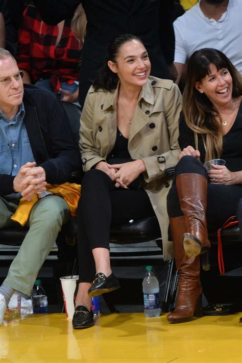 gal gadot enjoys  court side seat   lakers